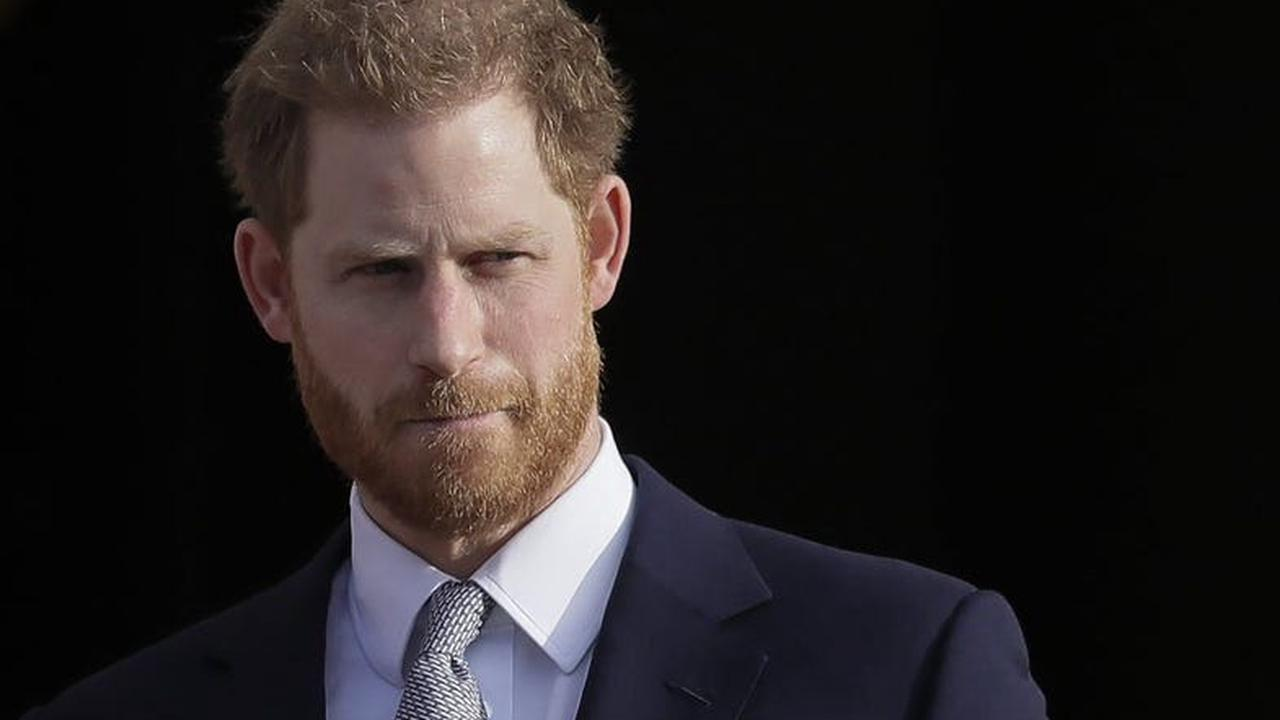 Prince Harry raps 'Fresh Prince,' says he didn't walk away