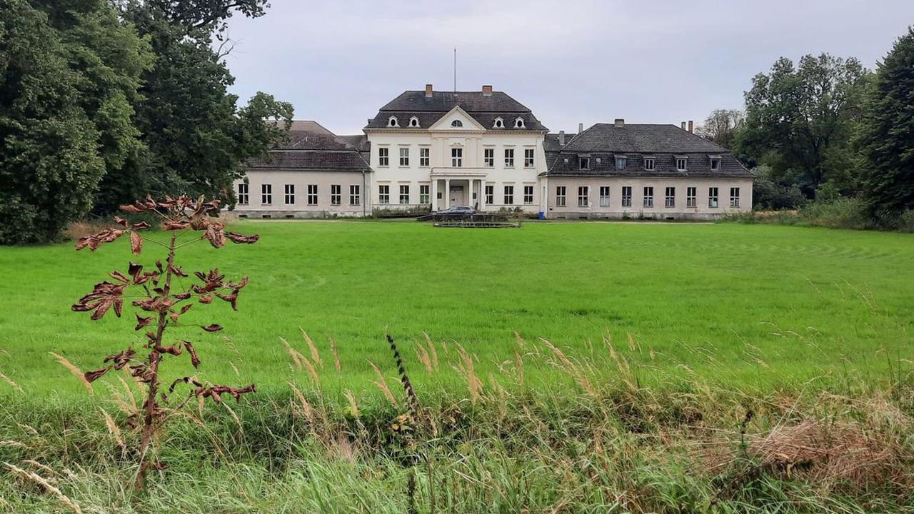 Immobilien und Denkmalschutz: Wann wird Schloss Prötzel weiter saniert?