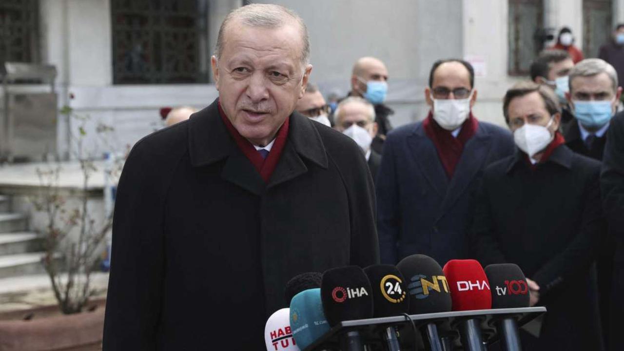 Turkish leader eyes favorably Greek PM meet amid tensions