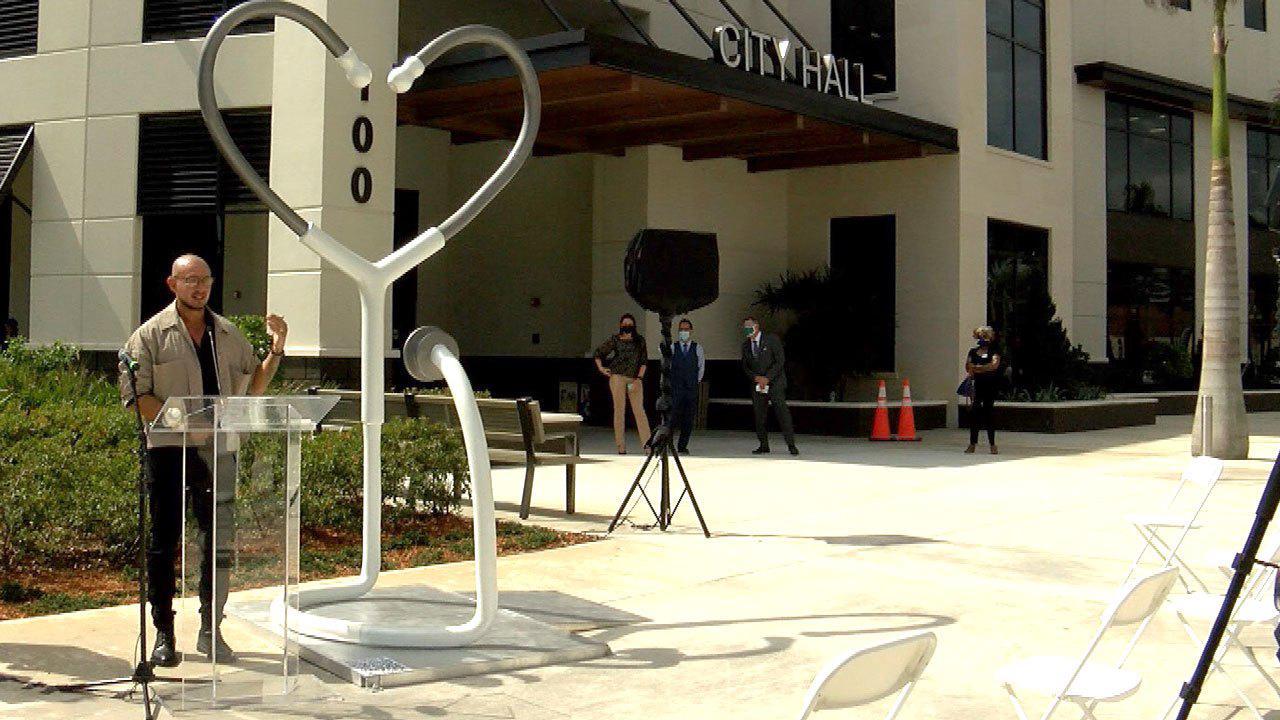 11-foot heart-shaped sculpture unveiled in Boynton Beach