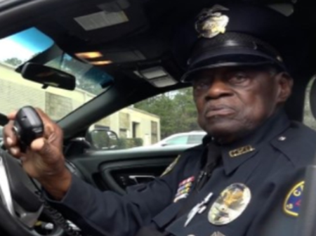 He is 91 Years Old But Still Works as an Active Police Officer After 56 Years In the Force