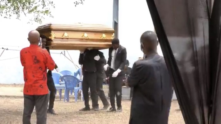 8b9b951aa6c34eadaaa763768671c4d1?quality=uhq&resize=720 - The Last Moment The Dancing Pallbearers Danced With Eddie Nartey's Wife Coffin Before Her Burial