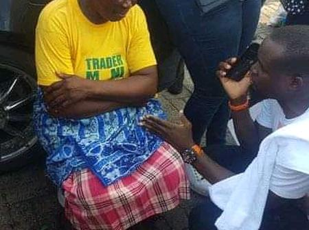 See Emotional Pictures Of The Poor Groundnut Seller Who Was Gifted Over 2 million Naira B Protesters