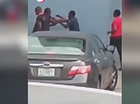 Two Security Operatives Fight Dirty In Public (Watch)