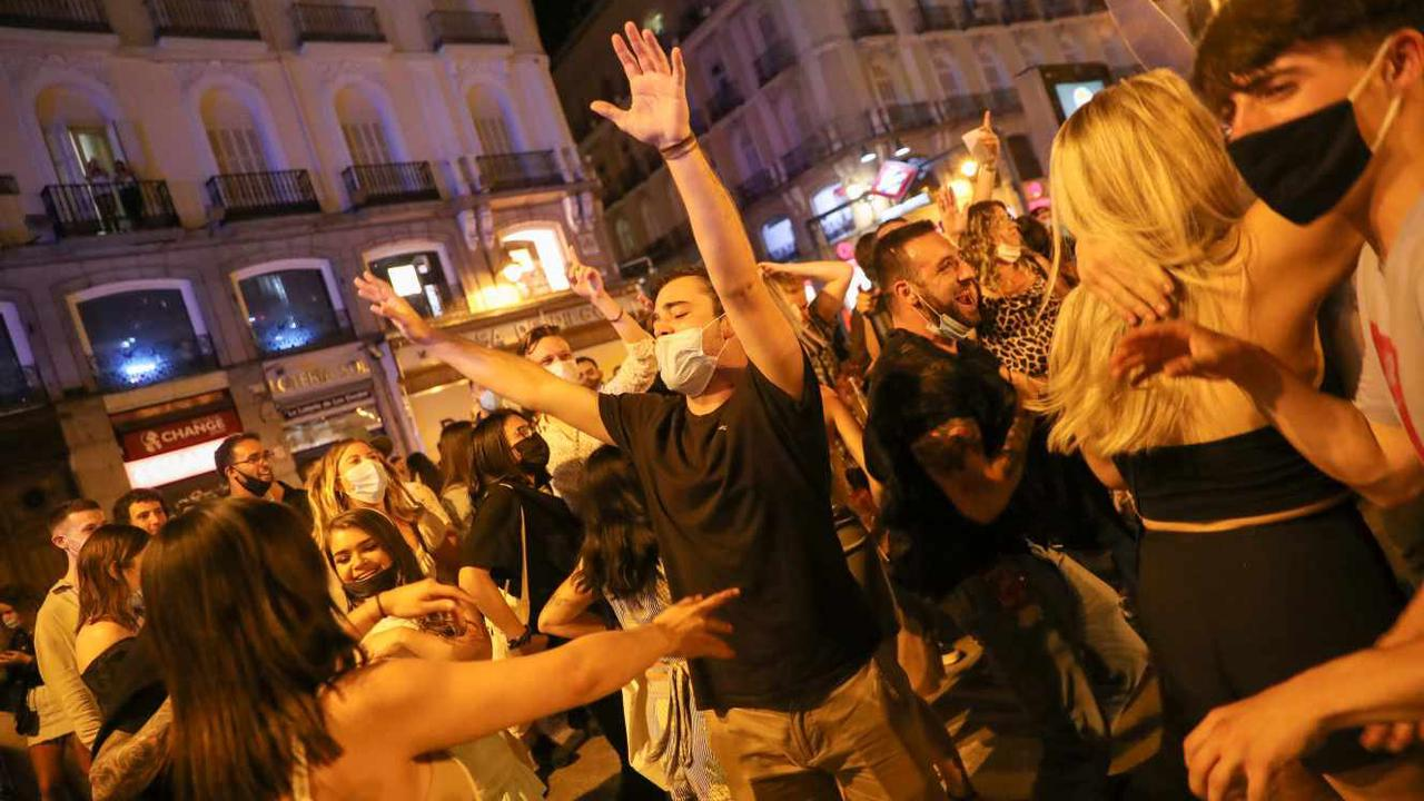 Covid-19 dans le monde: l'Espagne lève partiellement des restrictions sanitaires