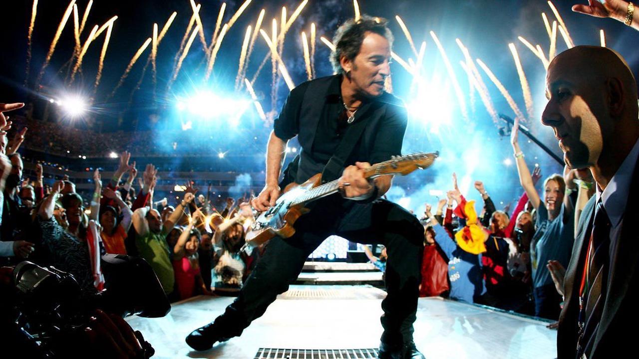 The fierce debate over Bruce Springsteen's 'Thunder Road' lyrics, Mary's dress, has ended