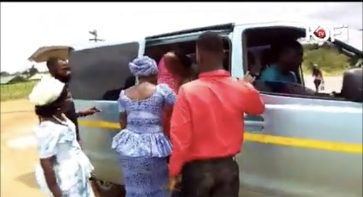 8c6f011b5c7925329733d38748bc91a0?quality=uhq&resize=720 - Pastors spotted praying against accident on the Accra to Kumasi Highway (Video)