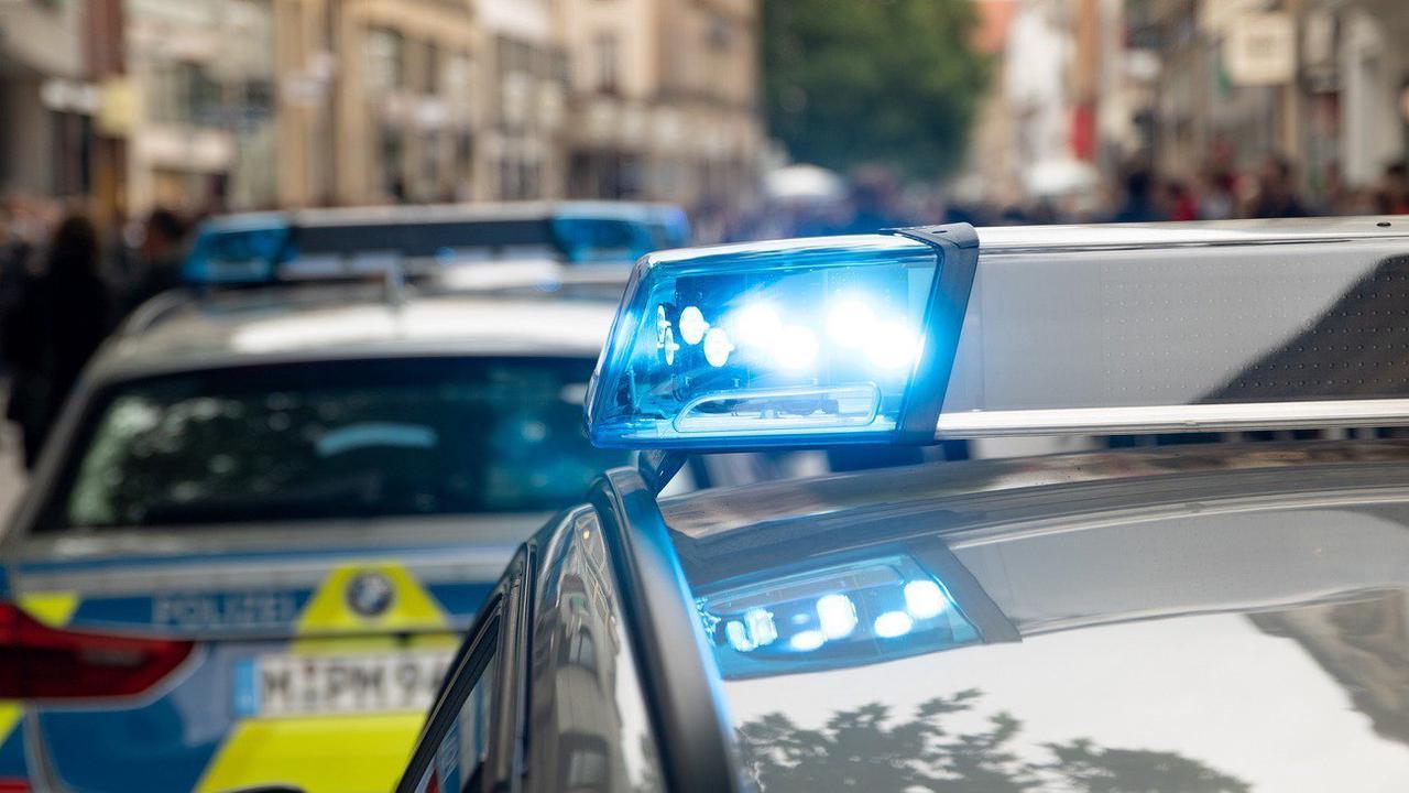München: Zeugenaufruf: 16-Jährige in Hinterhof gezogen und missbraucht