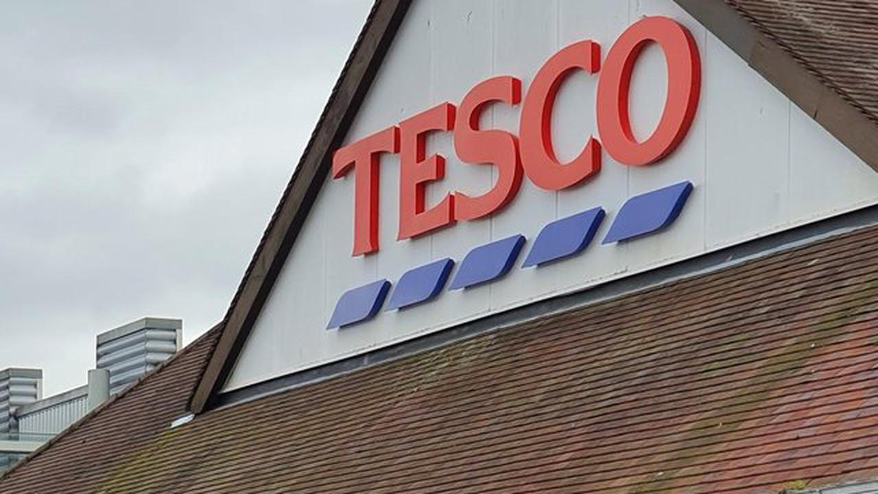 Tesco community grant has cash to give Falkirk food charities