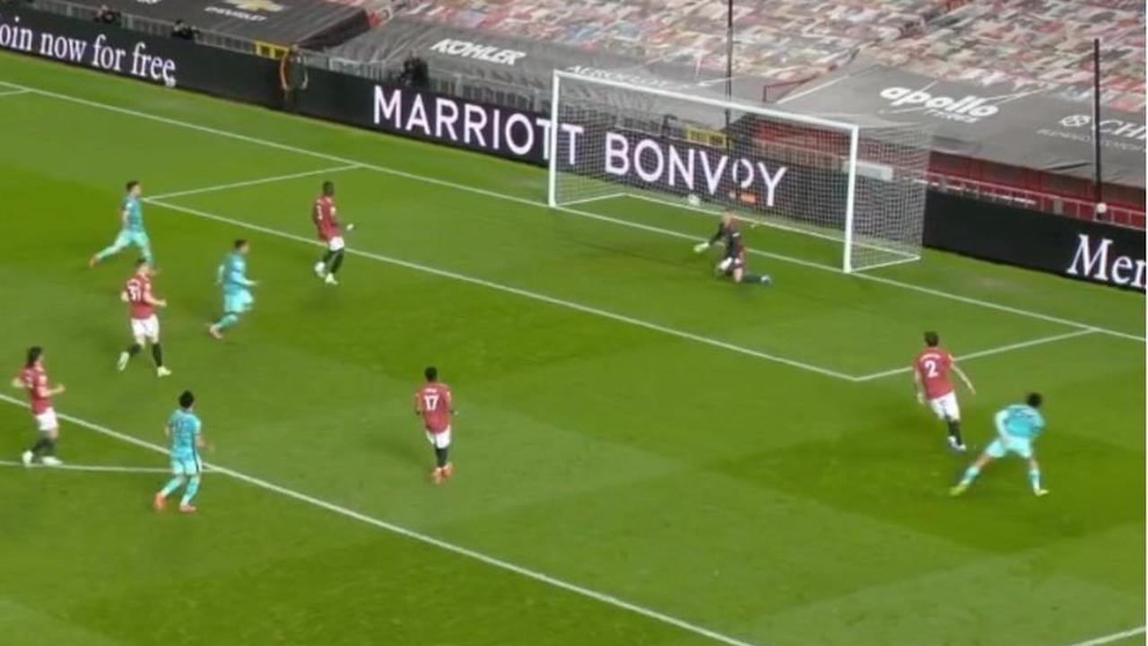 Man United vs Liverpool: Roberto Firmino scores after United defensive errors