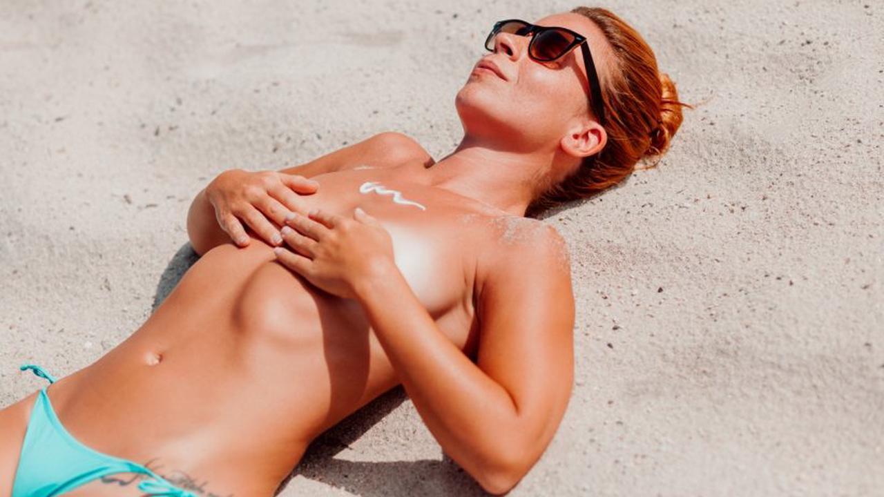 Topless : bronzer seins nus est-il dangereux pour la santé ?
