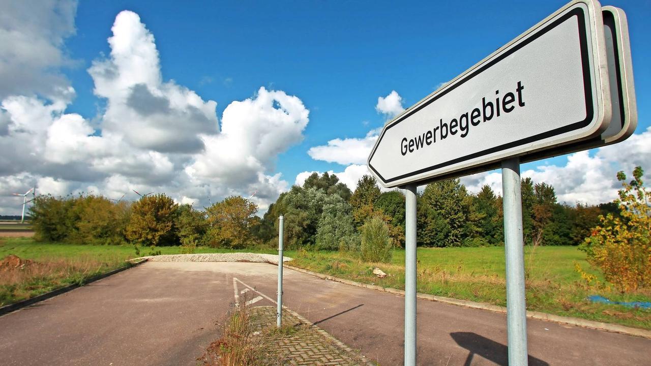 Trier: Umweltaktivisten kämpfen gegen Gewerbeparks