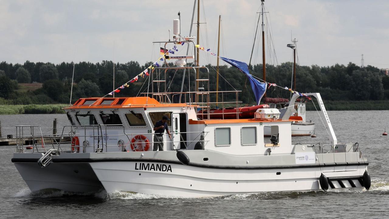 Neues Forschungsschiff der Universität Rostock getauft