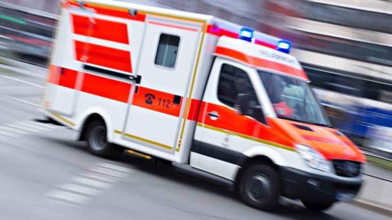 Mindestens zwei Verletzte nach Unfall mit Stadtbahn