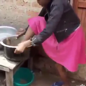 Reactions As This Lady Was Spotted Washing Her Feet In A Sufuria [VIDEO]