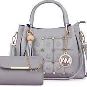 48 Latest versions of women's handbags (2020 edition).