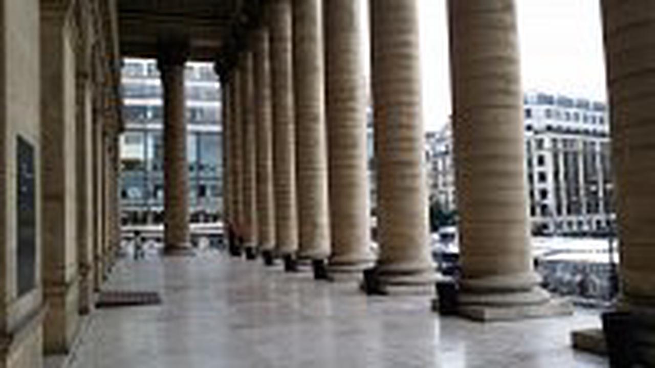 Cac 40 : La Bourse de Paris succombe aux sortilèges des quatre sorcières