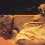 ما السر العجيب وراء تحرك يد مومياء الملك رمسيس الثاني بعد موته بآلاف السنين ؟