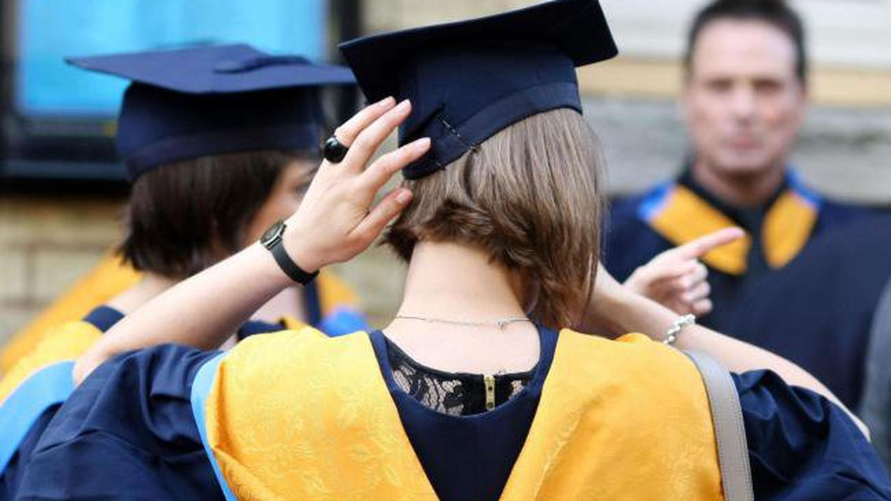 Exeter University medical students offered £10,000 to defer degree for a year