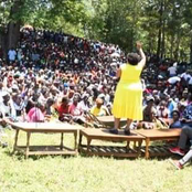 Netizens React As Omanga Addresses Matungu Residents While Standing On A Table
