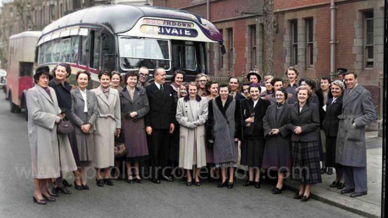 Fifties' fashions ... all dressed up for a coach outing