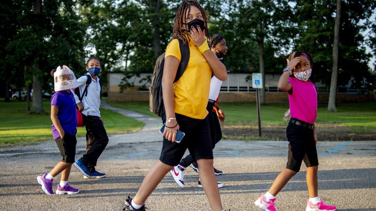 Two Flint schools hosting Back to School COVID-19 education clinic