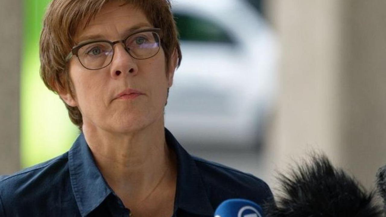 Verteidigung: Verteidigungsministerin besucht Spezialpionierregiment