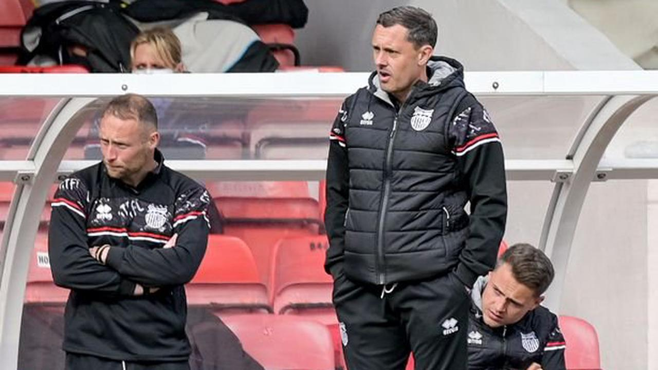 Paul Hurst's personal target as Mariners aim to spoil Cambridge party