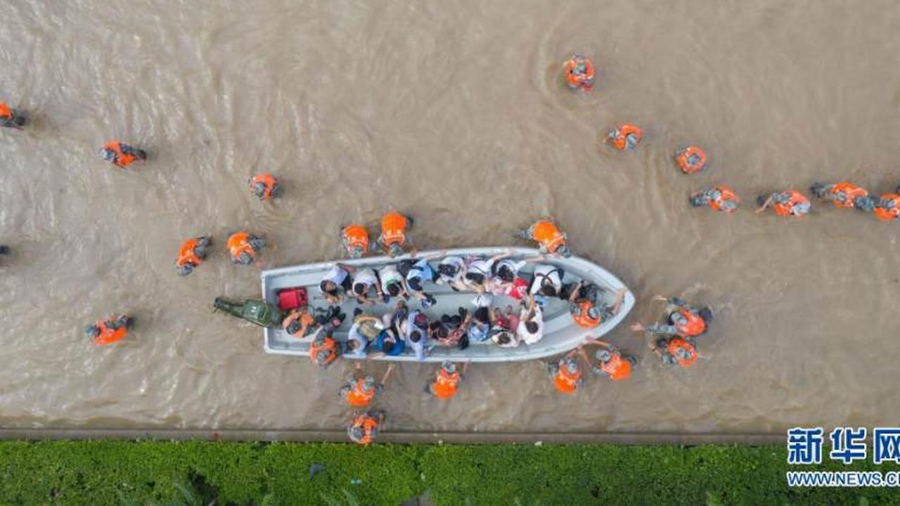 Berührende Momente in Zhengzhou nach Unwetter