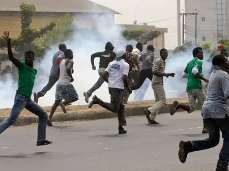 Today's Headlines: ESN Operatives Kill 4 Hausa Traders In Imo, GEJ Sends Strong Message To Nigerians
