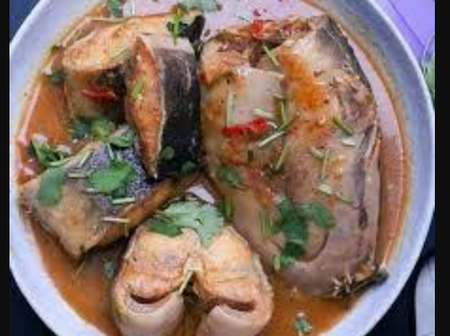Check Out The Modern Way Of Washing And Cooking Catfish Pepper Soup Without Stress