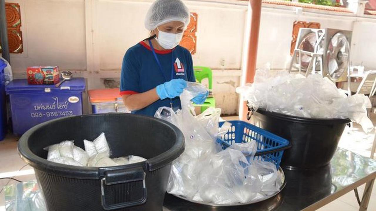Thais lending helping hand to those struggling under pandemic