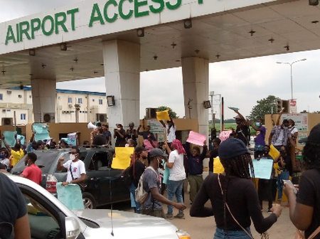 Passengers are stuck in the Lagos International Airport as protesters block the Airport entrance.
