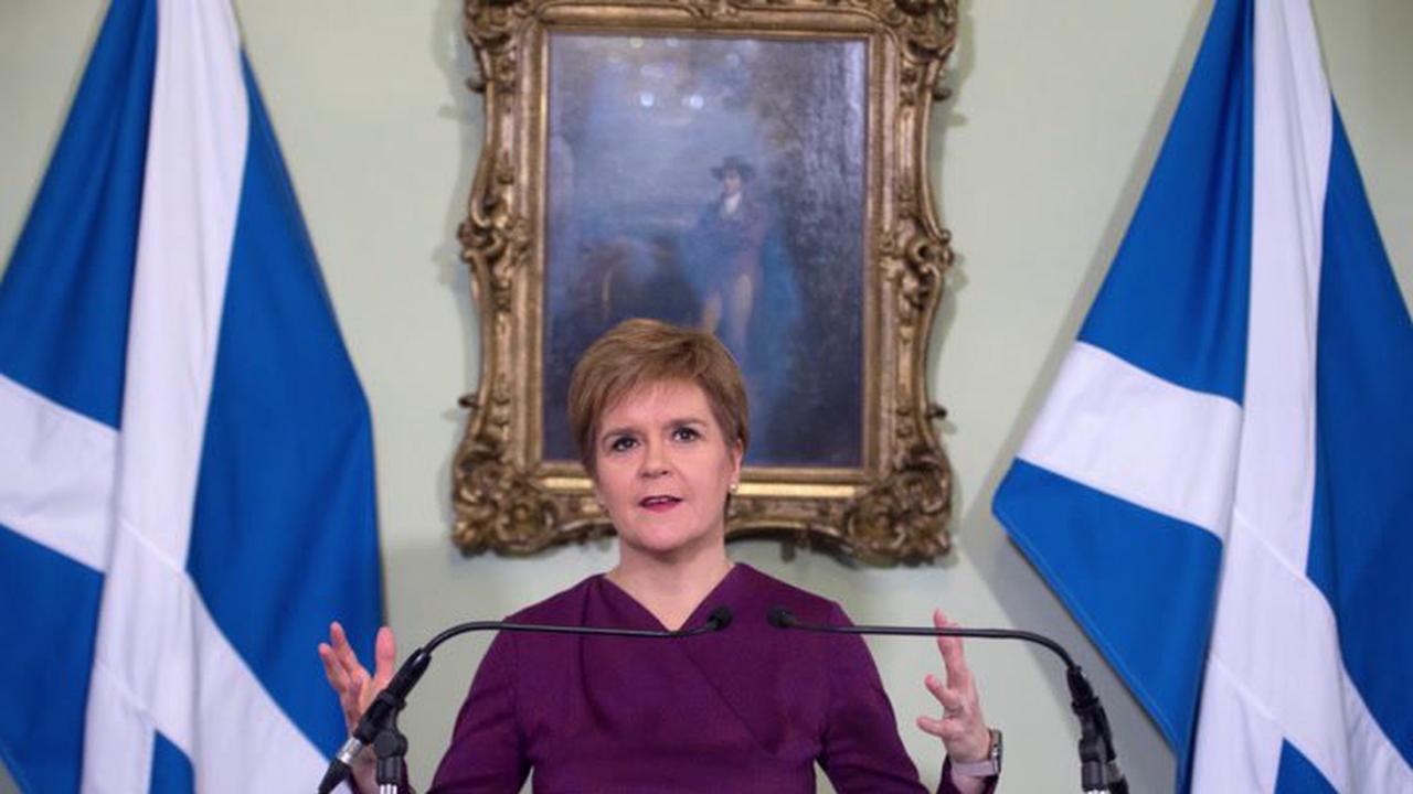 SNP MP Wishart & Scottish Tory chief Ross clash in furious committee row