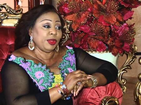 See Nigerians' Reactions as Popular Senator Kneels Down at the Market to Plead for their Forgiveness