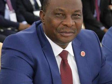 Le ministre Adjoumani esquisse des pas de danse magistraux lors du réveillon à Tanda