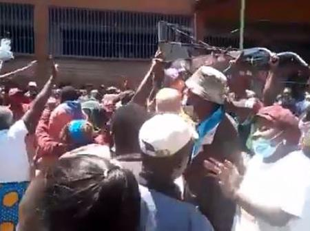 Drama In Karatina As Residents Chase Away PSs Selling BBI [VIDEO]