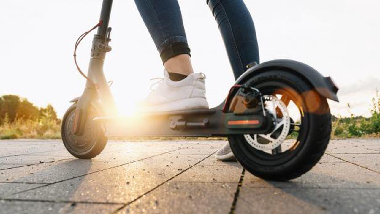 Suspected teenage thief fleeing on electric scooter is arrested