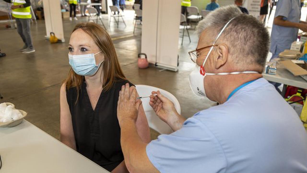 Cosham Fire Station hosts 'convenient' walk-in Covid-19 vaccine clinic