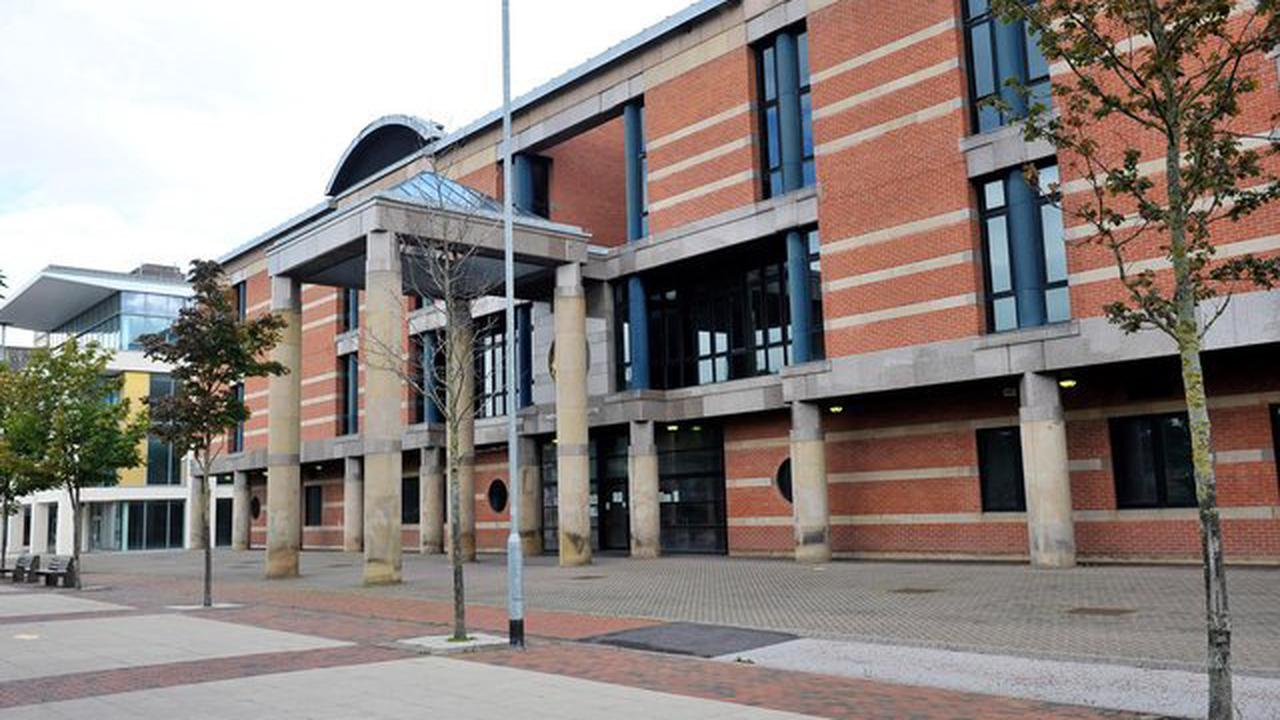 Hartlepool man to go on trial accused of robbing teen of mobile during snowstorm
