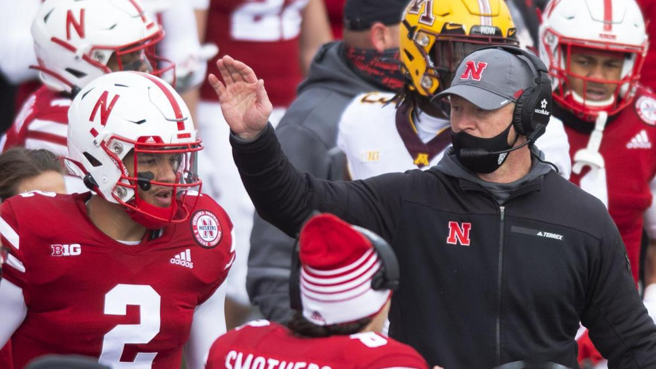 Frost says he'll stand pat with his 10-man crew of full-time assistants