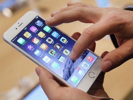 أشياء تفعلها في هاتفك المحمول.. ستسبب كارثة