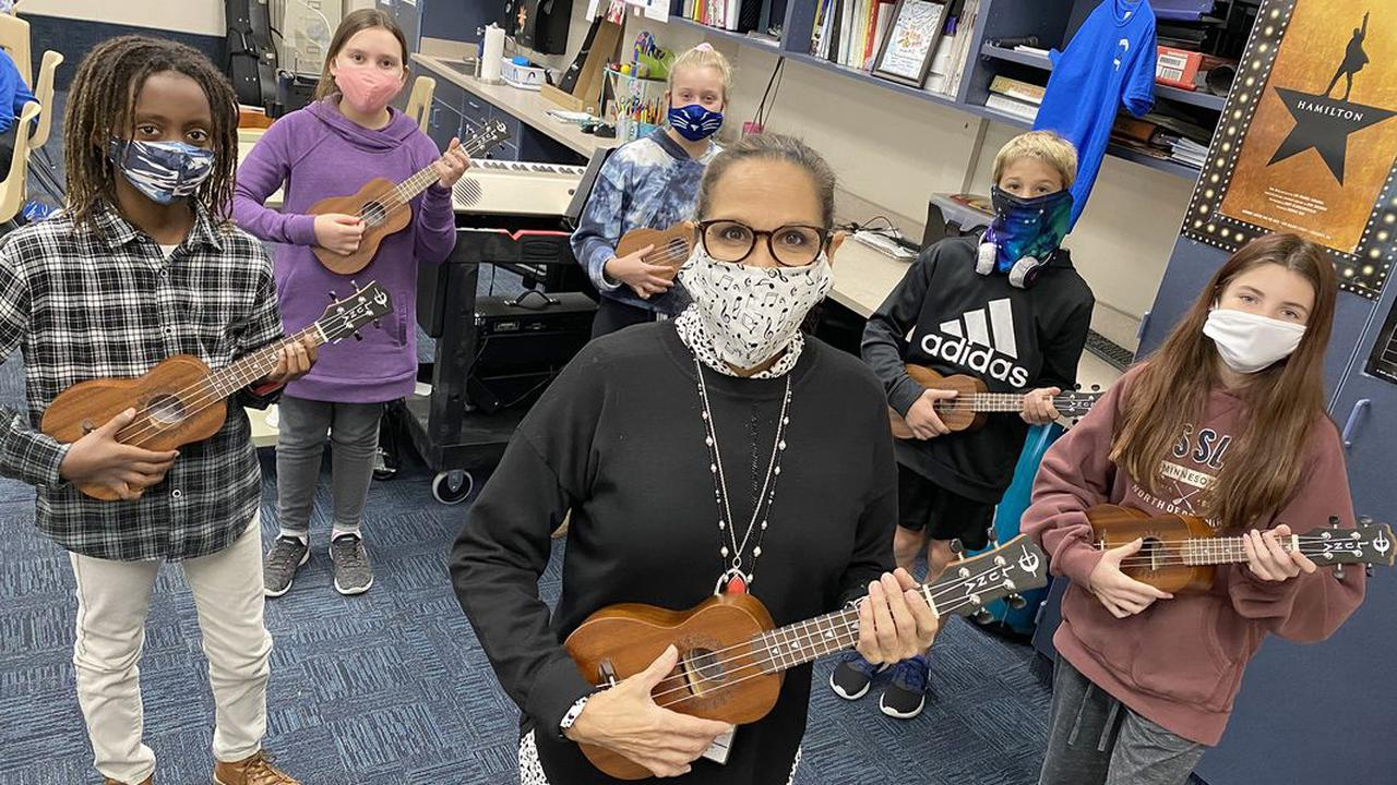 Inspire Dayton: 90 ukuleles come to the rescue when students can't sing