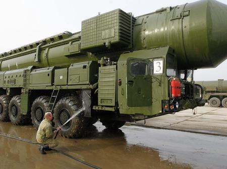 Bow To Russia, One Of The Most Powerful Military On Earth. See Pictures Of Its Military Weapons
