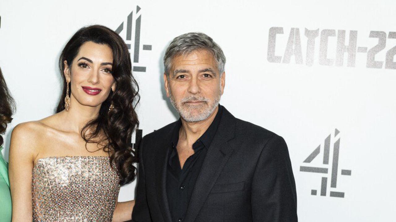 George Clooney révèle la blague hilarante que Brad Pitt a jouée sur lui pendant Ocean's Twelve