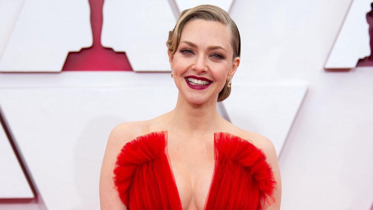 Amanda Seyfried wanted bold colour on Oscars red carpet
