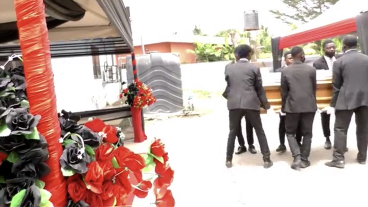 989d44c404bb42e1adc7c244cd4fd052?quality=uhq&resize=720 - The Last Moment The Dancing Pallbearers Danced With Eddie Nartey's Wife Coffin Before Her Burial