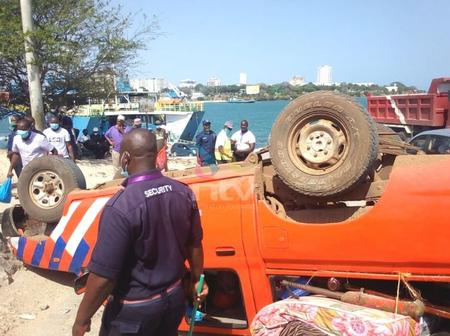 Kenyans React After A Security Pick-Up Overturns Along Likoni Channel