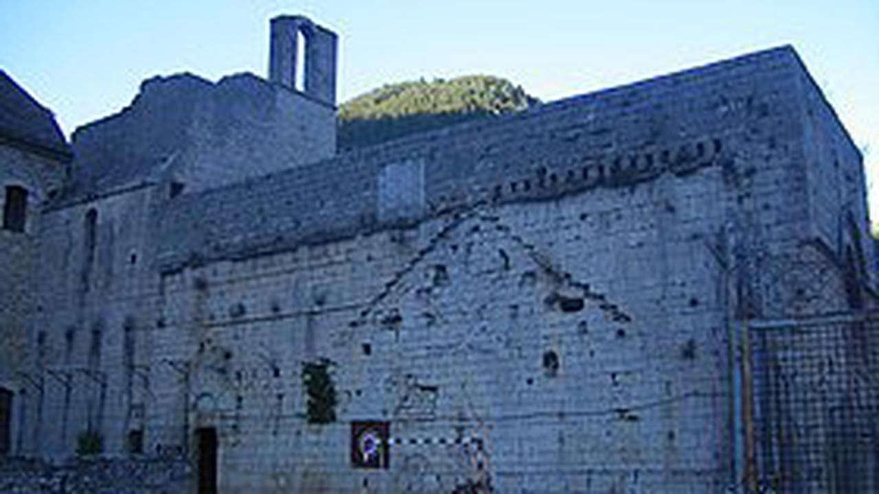 🔎 Monastère de Sainte-Enimie - Définition et Explications