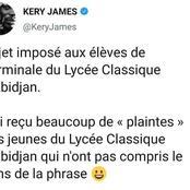 Des élèves du lycée classique d'Abidjan se plaignent à Kerry James au sujet d'un devoir de français